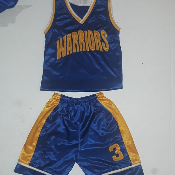 the best attitude 6baf8 9fc56 Golden State Warriors basketball jersey and shorts